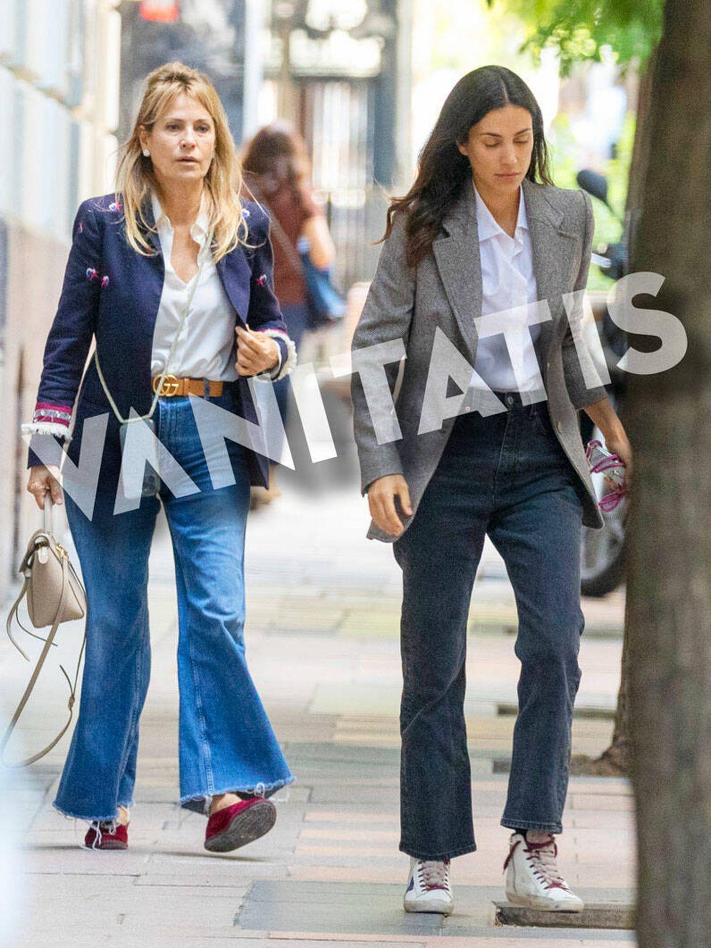 Sassa de Osma y su madre, de paseo por Madrid. (Ram Press)