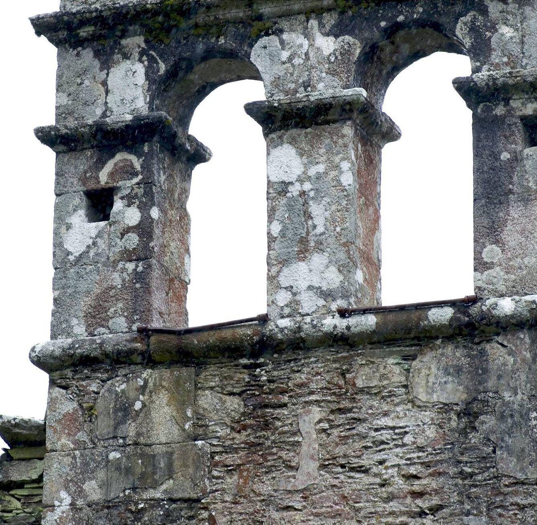 Sin campanas también dejaron a esta iglesia en Abadín, Lugo. (EFE)