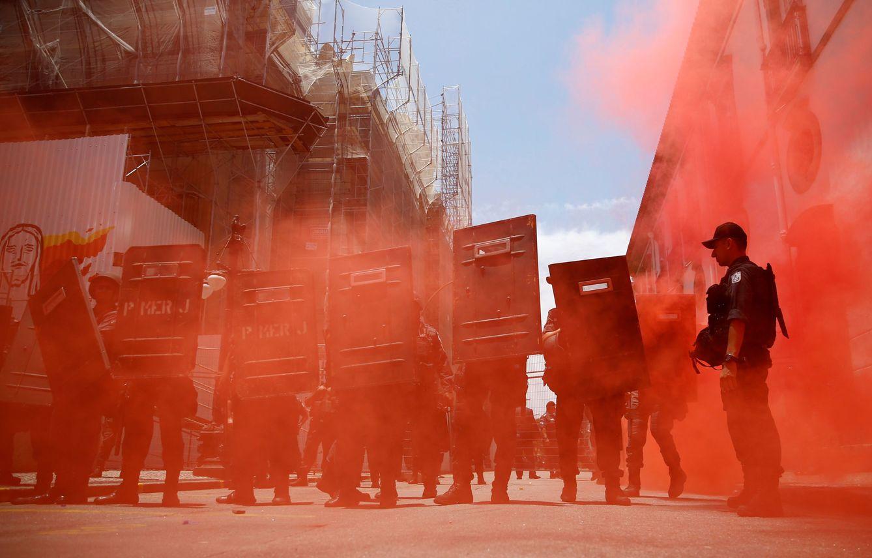 Foto: Policías de Río, durante una protesta contra los recortes del gasto público, el 16 de noviembre de 2016 (Reuters)