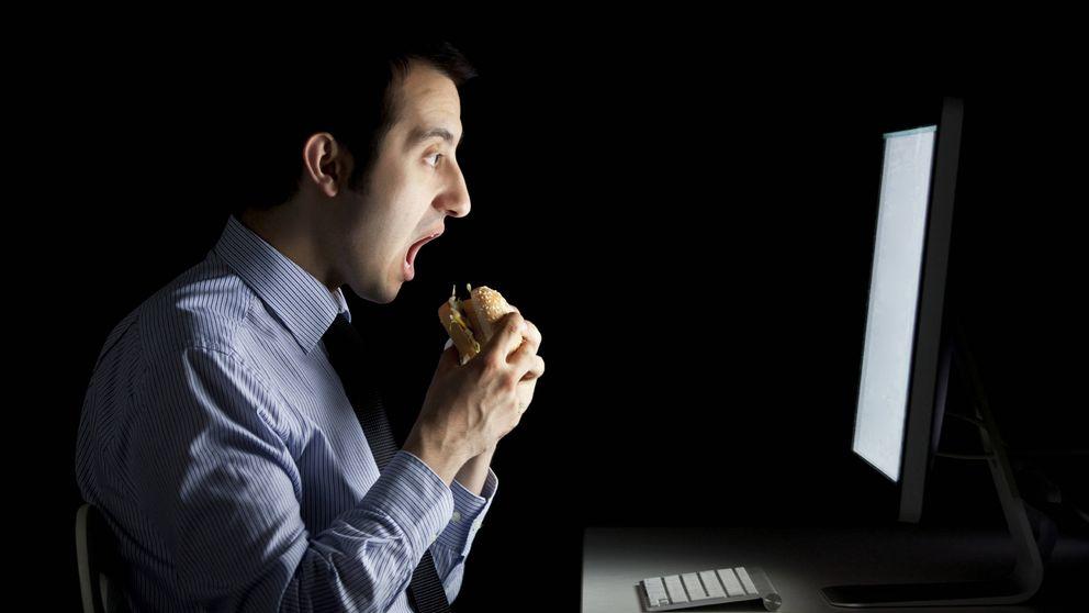 Por qué no debes comer tarde si quieres adelgazar