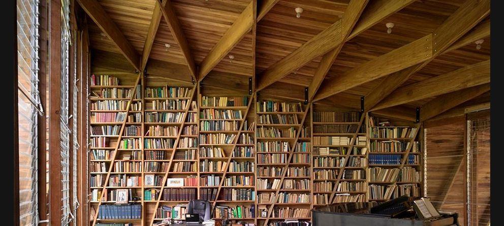 Resultado de imagen de Imágenes de una biblioteca particular