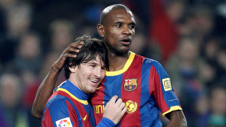 Éric Abidal y Leo Messi, en 2011. (Reuters)