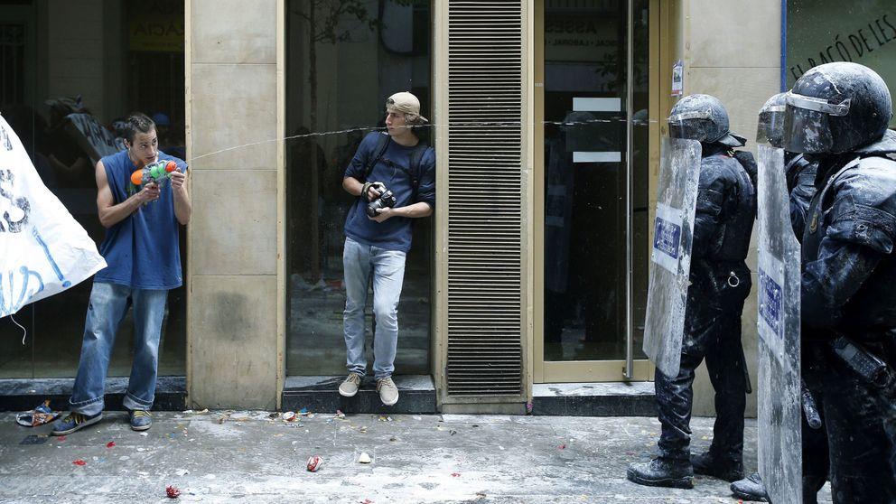 Los okupas de 'Banc Expropiat' se instalan en otra sucursal en Barcelona