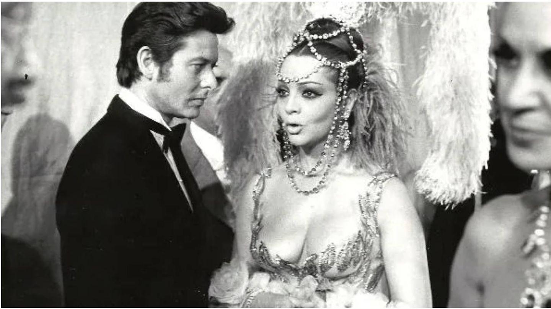 Vicente Parra y Sara Montiel, en una escena en 1970 en 'Varietés'. (Copercines Cooperativa Cinematográfica)