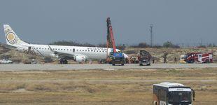 Post de Un avión aterriza de emergencia sin ruedas delanteras en Birmania