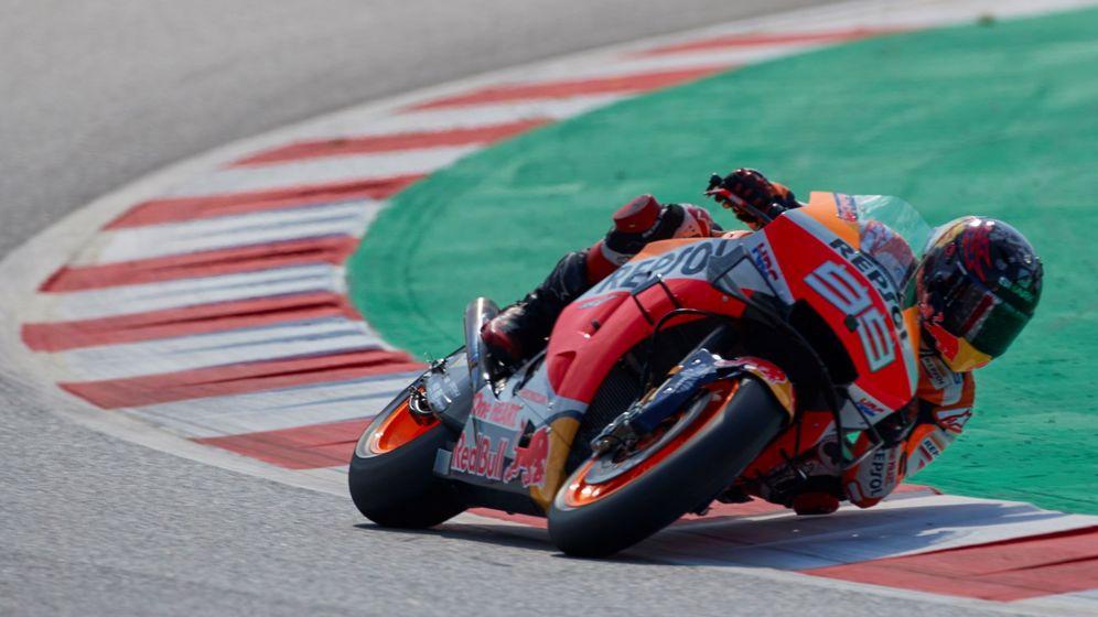 Foto: Jorge Lorenzo pilotando en el circuito de Cataluña. (EFE)