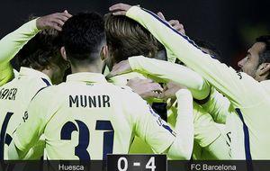 Iniesta y Samper y el centro del campo del Barça recupera el tino