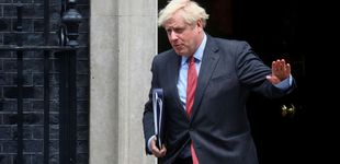 Post de Johnson endurece las restricciones: trabajo desde casa y pubs cerrados a las 22:00 horas