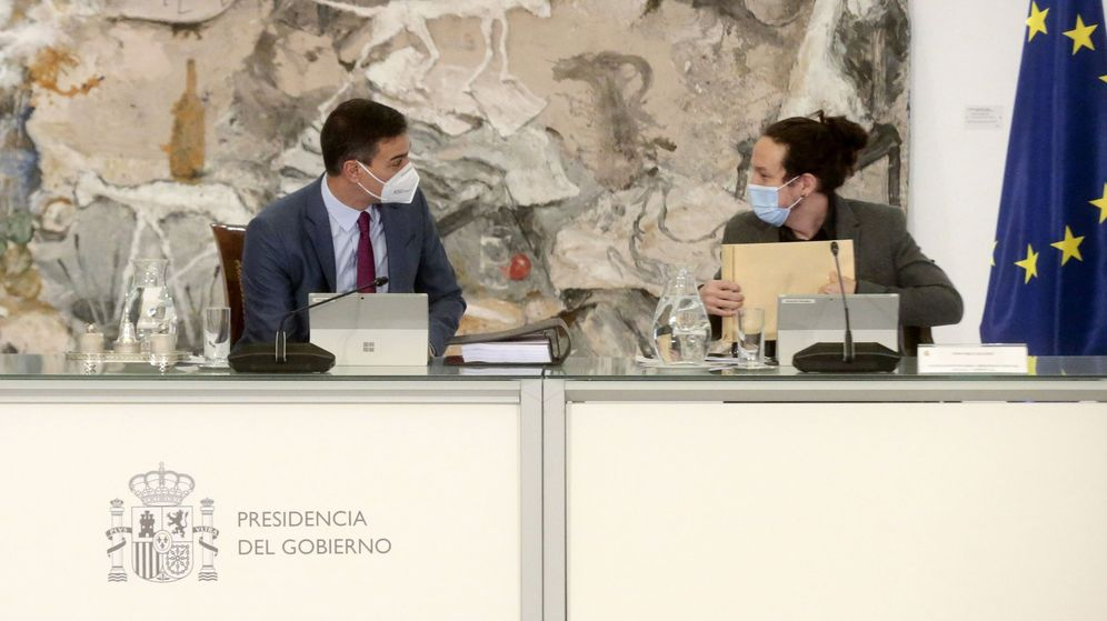 Foto: Pedro Sánchez y Pablo Iglesias, en el Consejo de Ministros. (EFE)