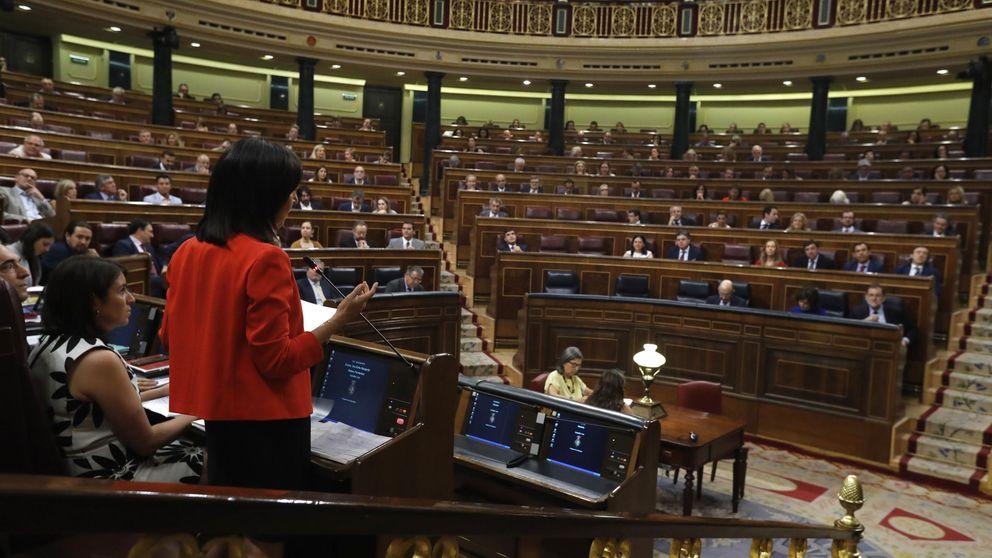Robles y Lastra debutan contra Rajoy sin sacar aún la garra del nuevo PSOE al PP