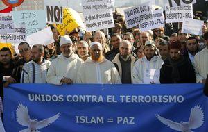 Cientos de personas se concentran en Madrid unidos contra el terrorismo