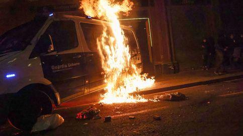 El Ayuntamiento de Barcelona, acusación particular por la quema del furgón policial