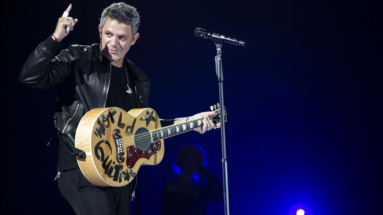 Alejandro Sanz, en un concierto en Elche. (EFE)
