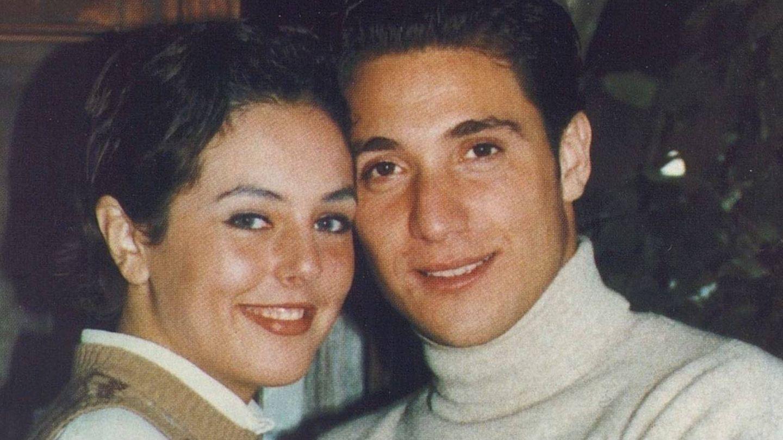 Rocío Carrasco y Antonio David Flores, en su juventud. (Mediaset España)