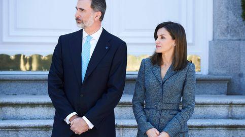 Primer look de la visita de Portugal: Letizia dice sí al bolso y zapatos siempre a juego