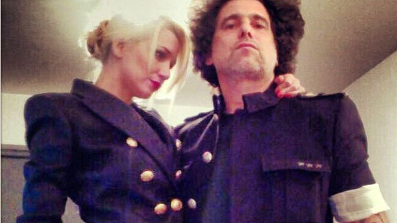 Andrés Calamaro y Micaela Breque (Instagram)