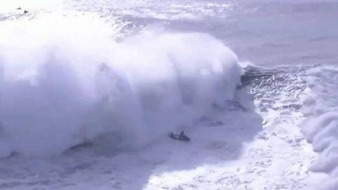 Impresionante accidente de un surfista en Portugal