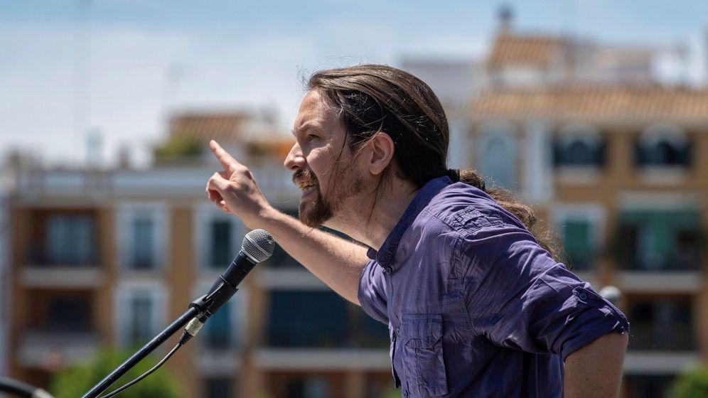 Foto: El secretario general de Podemos, Pablo Iglesias, interviene un en un acto electoral en Sevilla. (EFE)