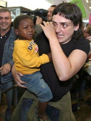 La Generalitat emprenderá acciones legales contra la ONG española acusada de 'traficar' con niños del Congo