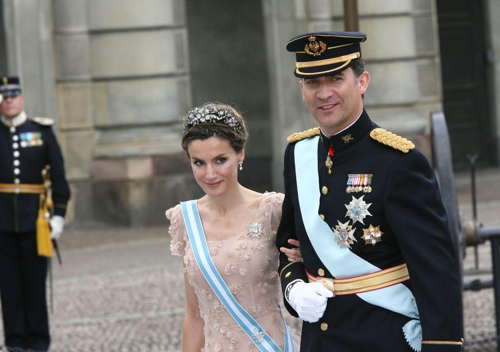Foto: Los príncipes de Asturias en la boda de Victoria de Suecia.(Gtres)