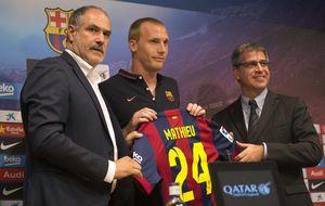 La inoperancia de Zubi provoca que el Barça siga bajo de defensas