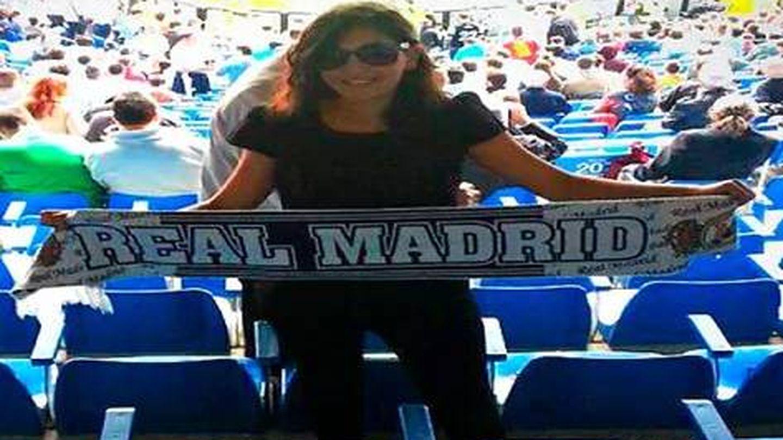 Dina Bousselham, exasesora de Podemos, en un partido del Real Madrid. (Cedida)