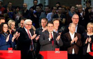 La militancia del SPD aprueba gobernar en coalición con Merkel