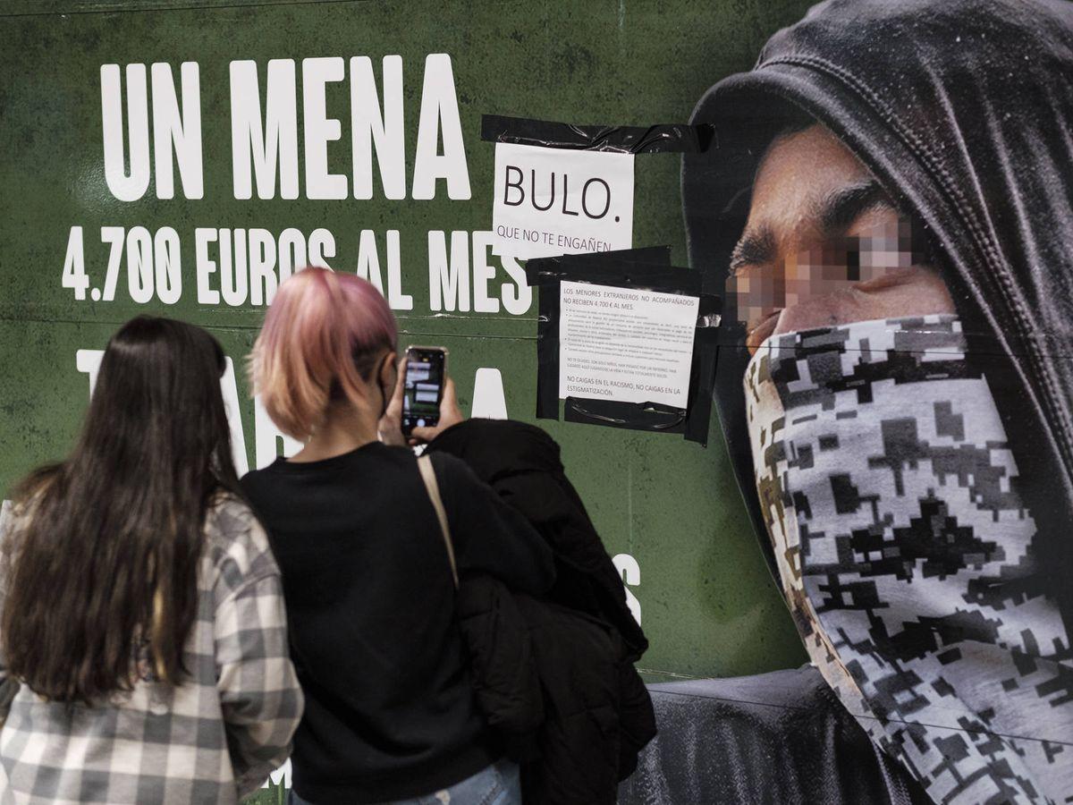 Foto: Cartel de Vox en el Metro. (Sergio Beleña)