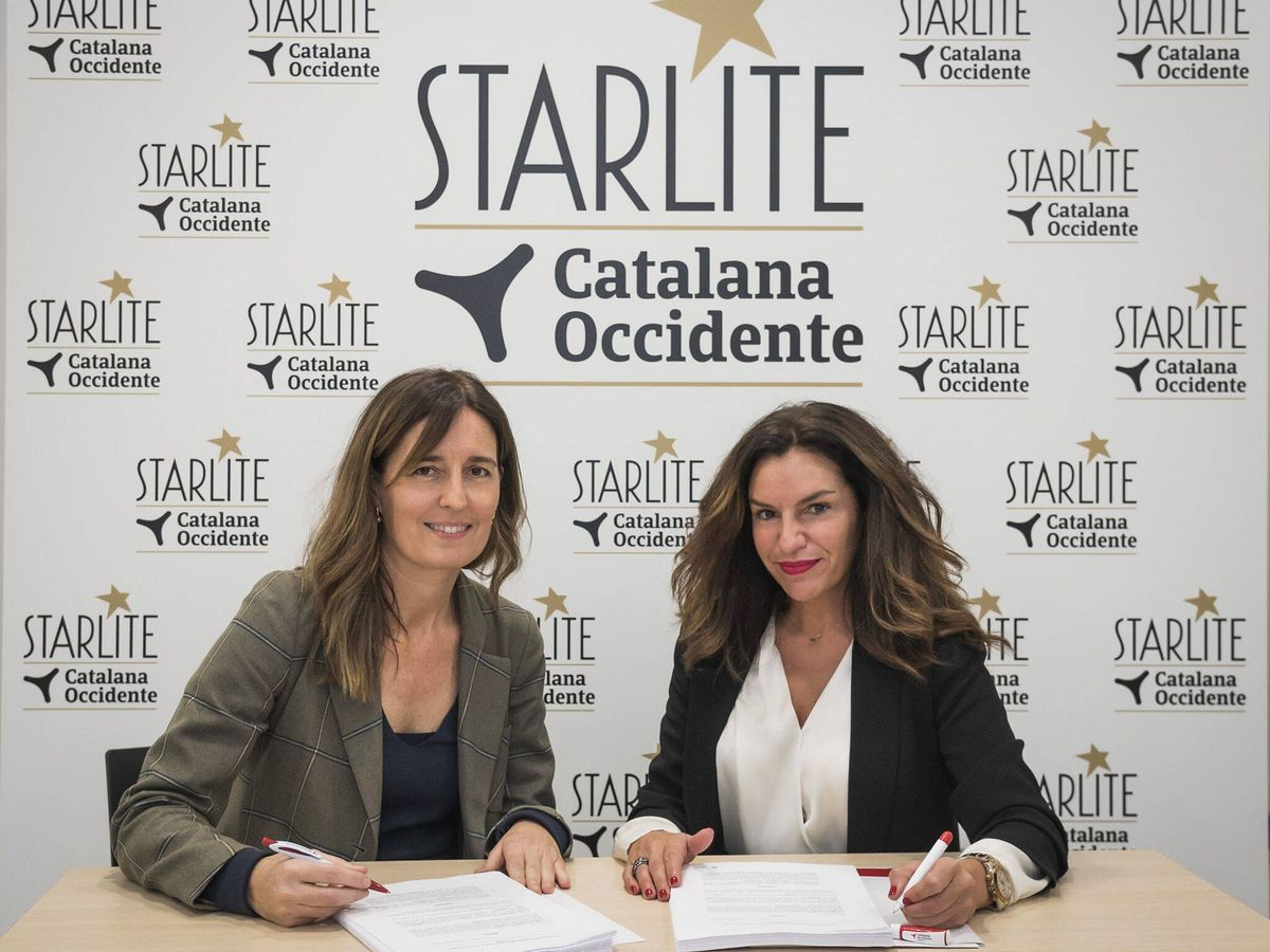 Foto: María José Álvarez, directora de Innovación, Marketing y Desarrollo de Catalana Occidente, con Amaya García, directora de Patrocinios del Grupo Starlite. (Foto: Avory)
