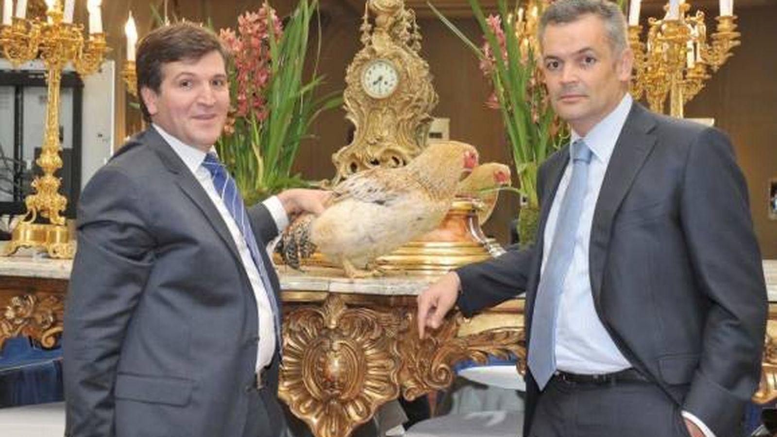 Foto: Alfonso Jiménez Rodríguez-Vela y Francisco Iglesias con un pavo.