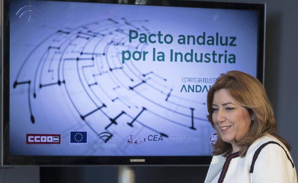 Foto: Susana Díaz, este 30 de enero antes de firmar en Sevilla el pacto andaluz por la industria. (EFE)