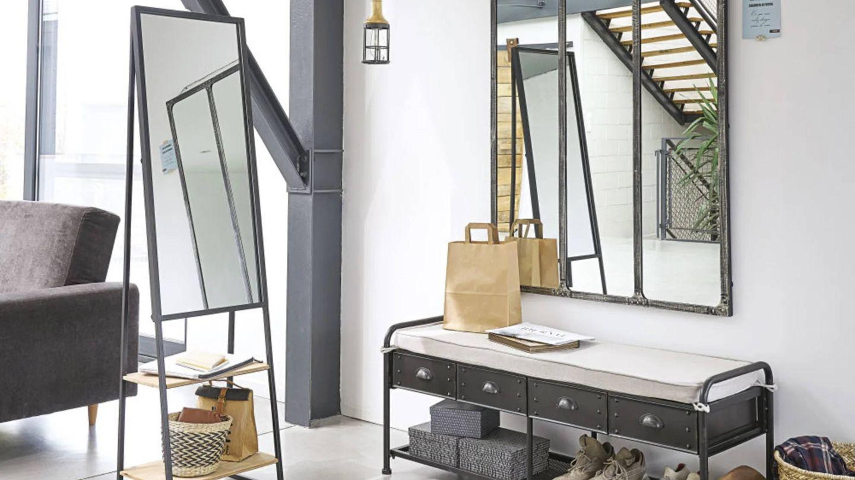 Con estos espejos de Maisons du Monde lo tendrás todo en orden. (Cortesía)