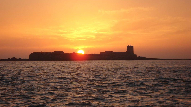 Atardece sobre el islote de Sancti Petri. (Foto: Cadiz Turismo)