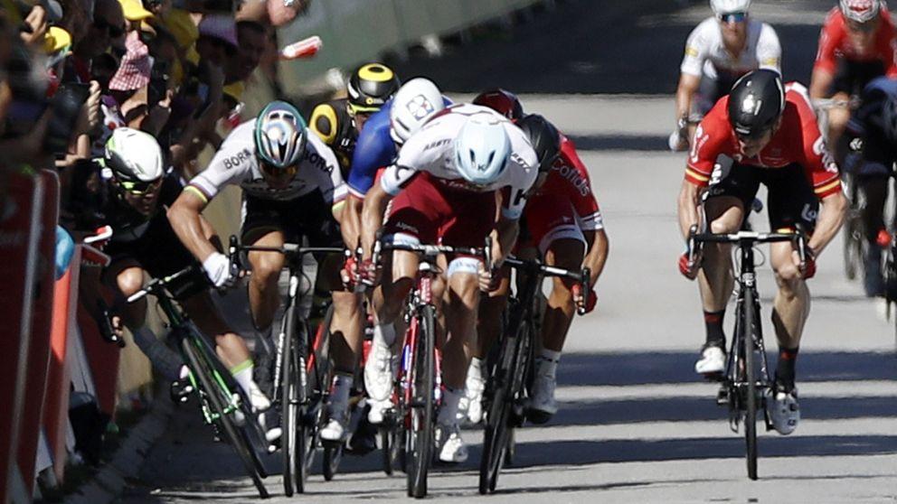 Un codazo de Sagan a Cavendish ensucia la cuarta etapa del Tour de Francia