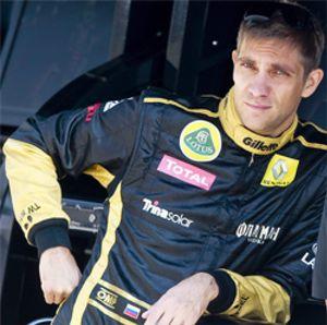 Ecclestone sonríe: Petrov sustituye al italiano Trulli en el equipo Caterham