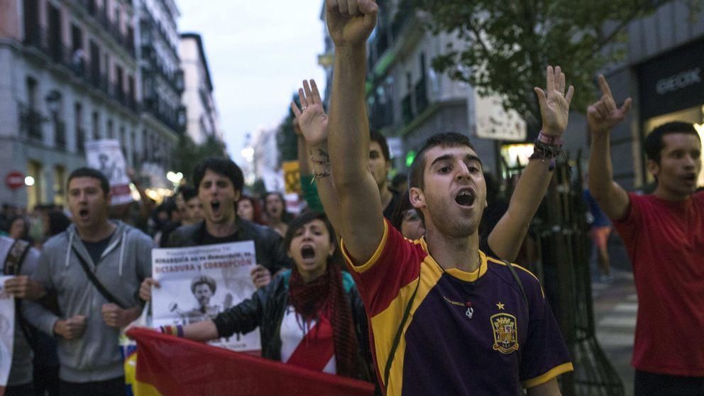 Rodea el Congreso agita la investidura: 'Ante el golpe de la mafia, democracia'
