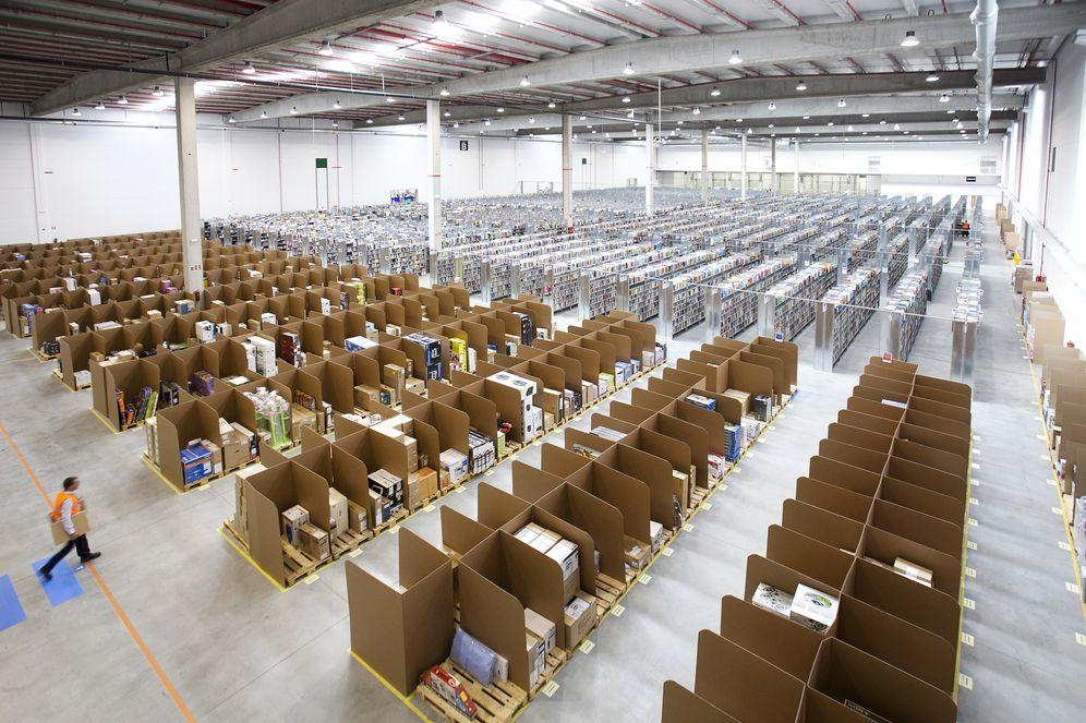Foto: El centro logístico de Amazon en San Fernando de Henares. (E. Villarino)