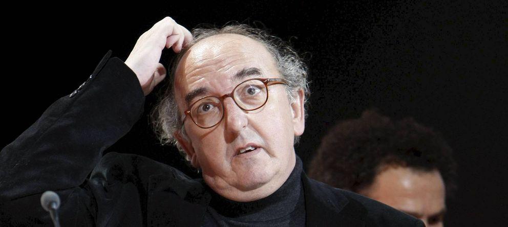 Foto: Jaume Roures, recogiendo el Goya a Mejor Película por 'Camino' en 2009 (EFE)