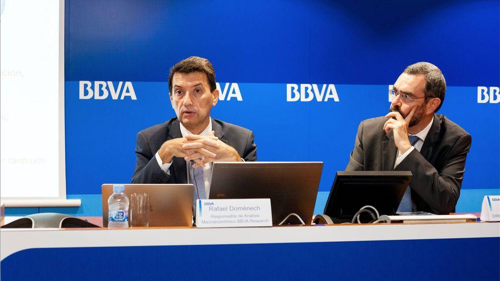 Foto: Rafael Domenech (BBVA Research) y Alberto Charro, director territorial de la Zona Este. (BBVA)