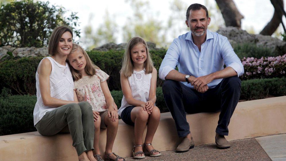Foto: Felipe VI, la Reina Letizia y sus hijas Leonor y Sofía (Reuters)