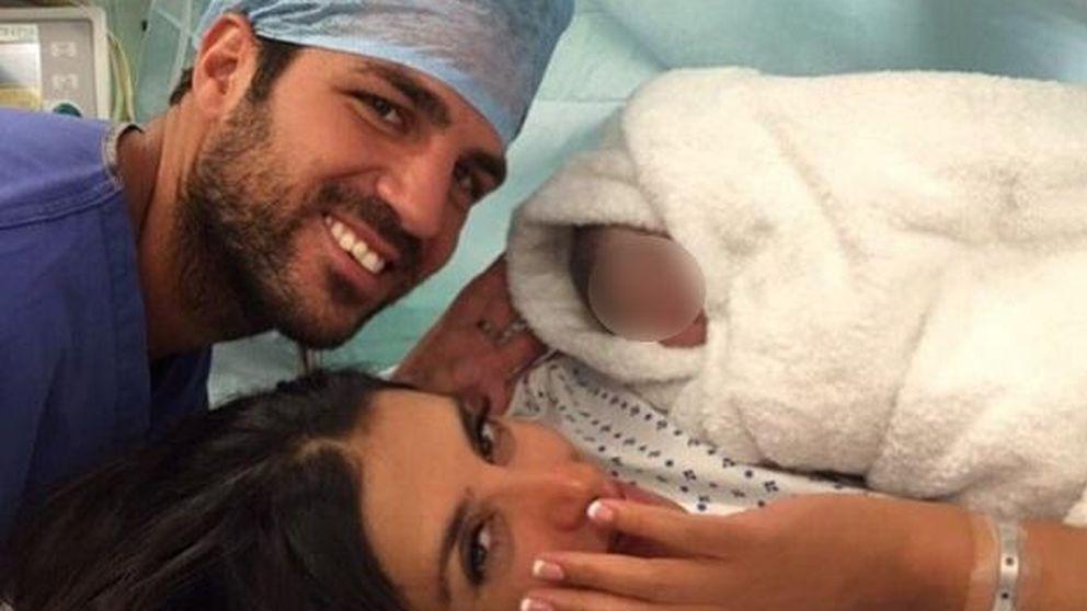 Fábregas y Daniella Seeman, padres por segunda vez de una niña llamada Capri