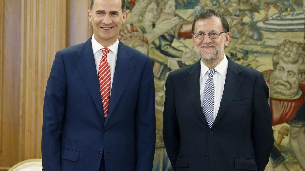 Foto: El rey Felipe VI recibe al presidente del Gobierno en funciones, Mariano Rajoy en el Palacio de la Zarzuela. (Efe)