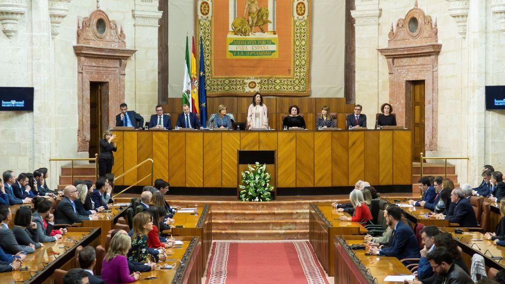 Foto: Imagen de archivo de una sesión del Parlamento andaluz. (EFE)