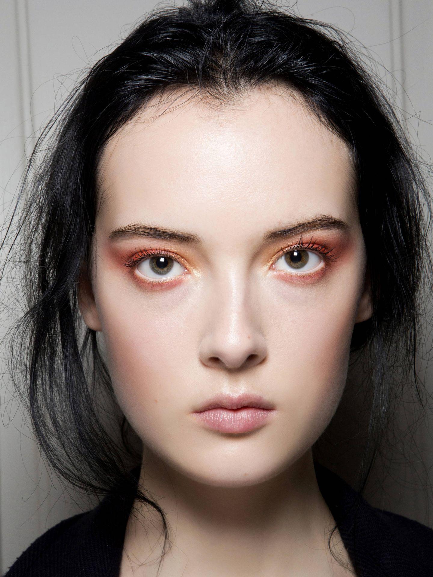 La frente, el ceño y el contorno de ojos son las zonas en las que suelen aparecer las primeras arrugas. (Imaxtree)