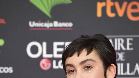 Greta Fernández, un look Audrey Hepburn que salió de perlas