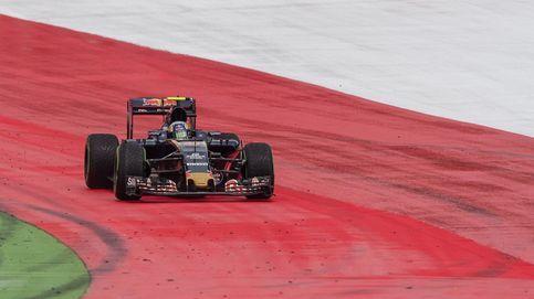 Carlos Sainz sufre la rotura de un motor recién puesto