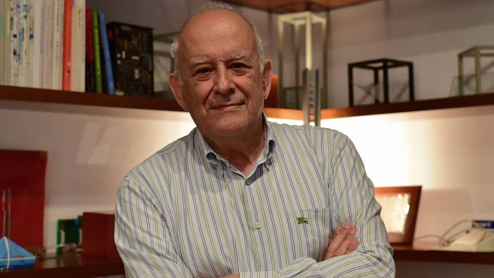 Foto: José Seguí, en su estudio de Málaga (Toñi Guerrero).