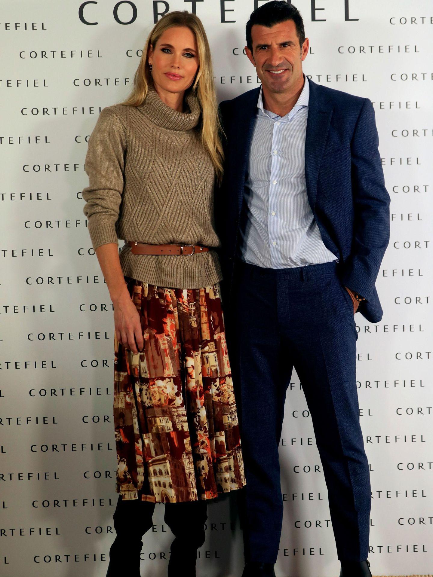 El exfutbolista Luis Figo y su mujer, Helen Svedin, en Madrid. (EFE)