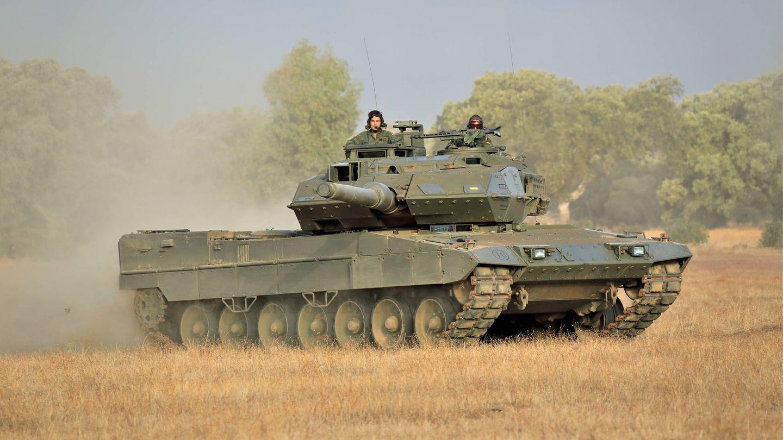 Carro de combate Leopardo 2E de la Brigada Extremadura XI. (Juanjo Ferna?ndez)