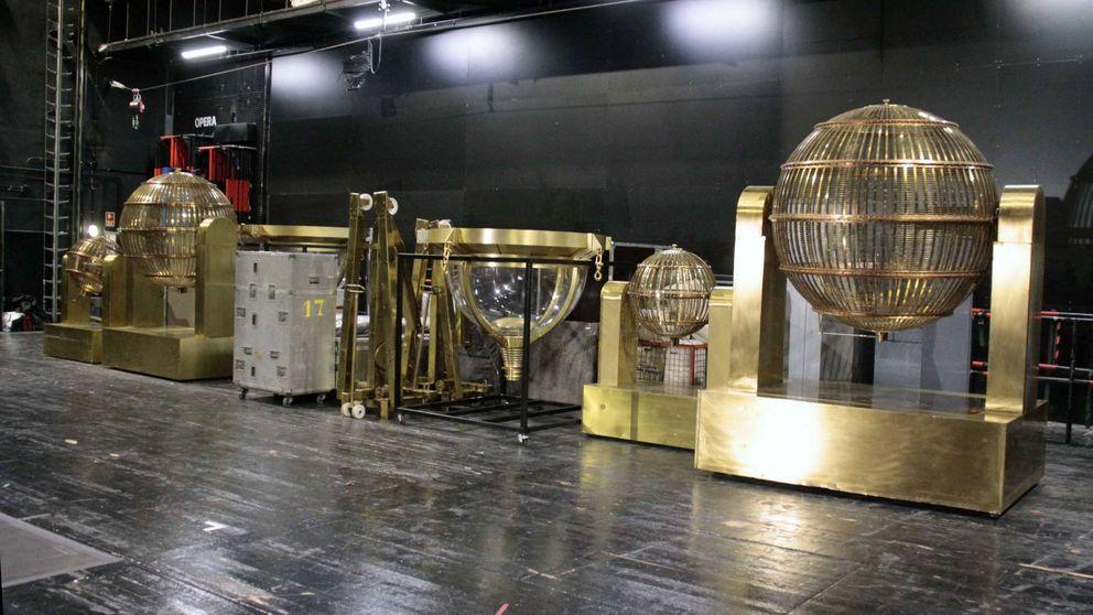 El Teatro Real se prepara para la Lotería de Navidad: los bombos ya están preparados